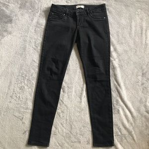 Low-rise black jeggings